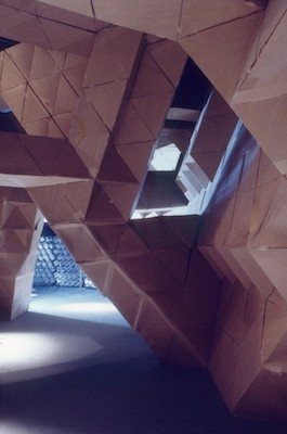 Interior view of Smith's sculpture at Expo '70, photo © Museum Associates/Los Angeles County Museum of Art