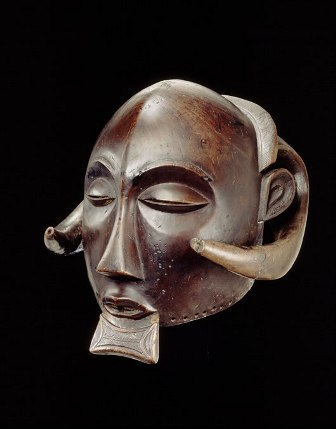 Male Mask, Democratic Republic of the Congo, Luba Peoples, 19th Century, Wood (Schinziophyton rautaneii), Royal Museum for Central Africa, RG 23470 (collected by O. Michaux in 1896), Photo R. Asselberghs, RMCA Tervuren ©