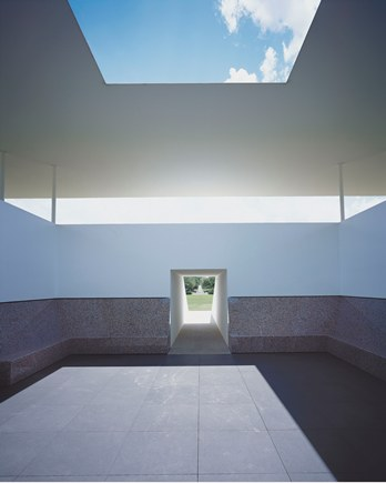 James Turrell, Twilight Epiphany, 2012, A James Turrell Skyspace, the Suzanne Deal Booth Centennial Pavilion, Rice University, Houston, TX, © James Turrell, photo © Florian Holzherr