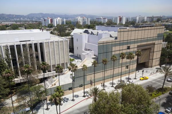 Exterior of the Los Angeles County Museum of Art, photo © Museum Associates/LACMA